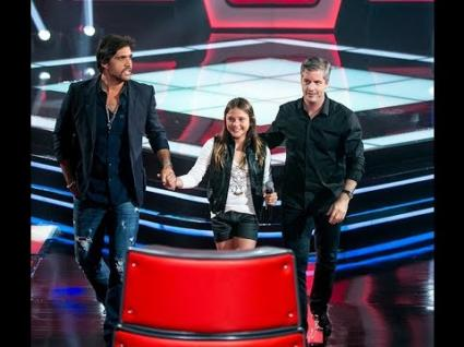 Laura Schadeck vence a batalha no The Voice Kids